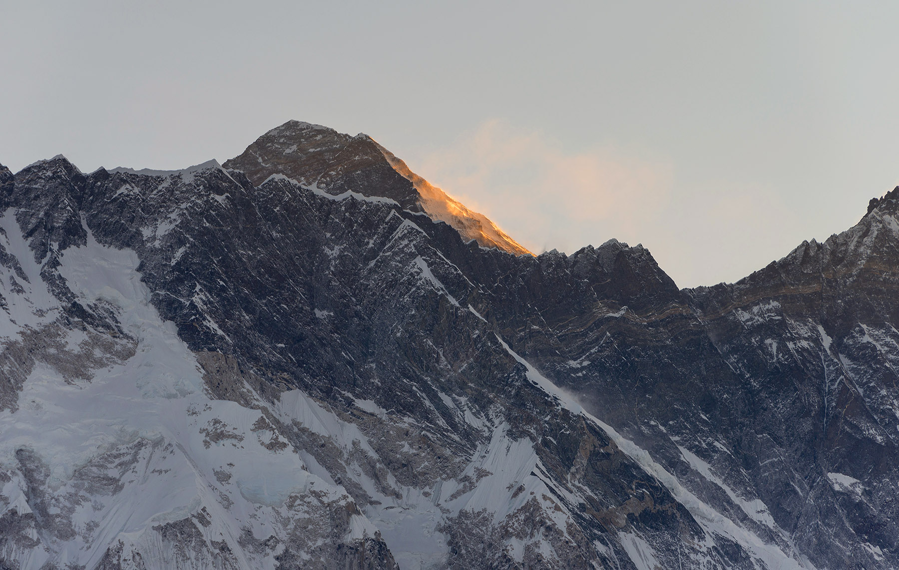everest dawn