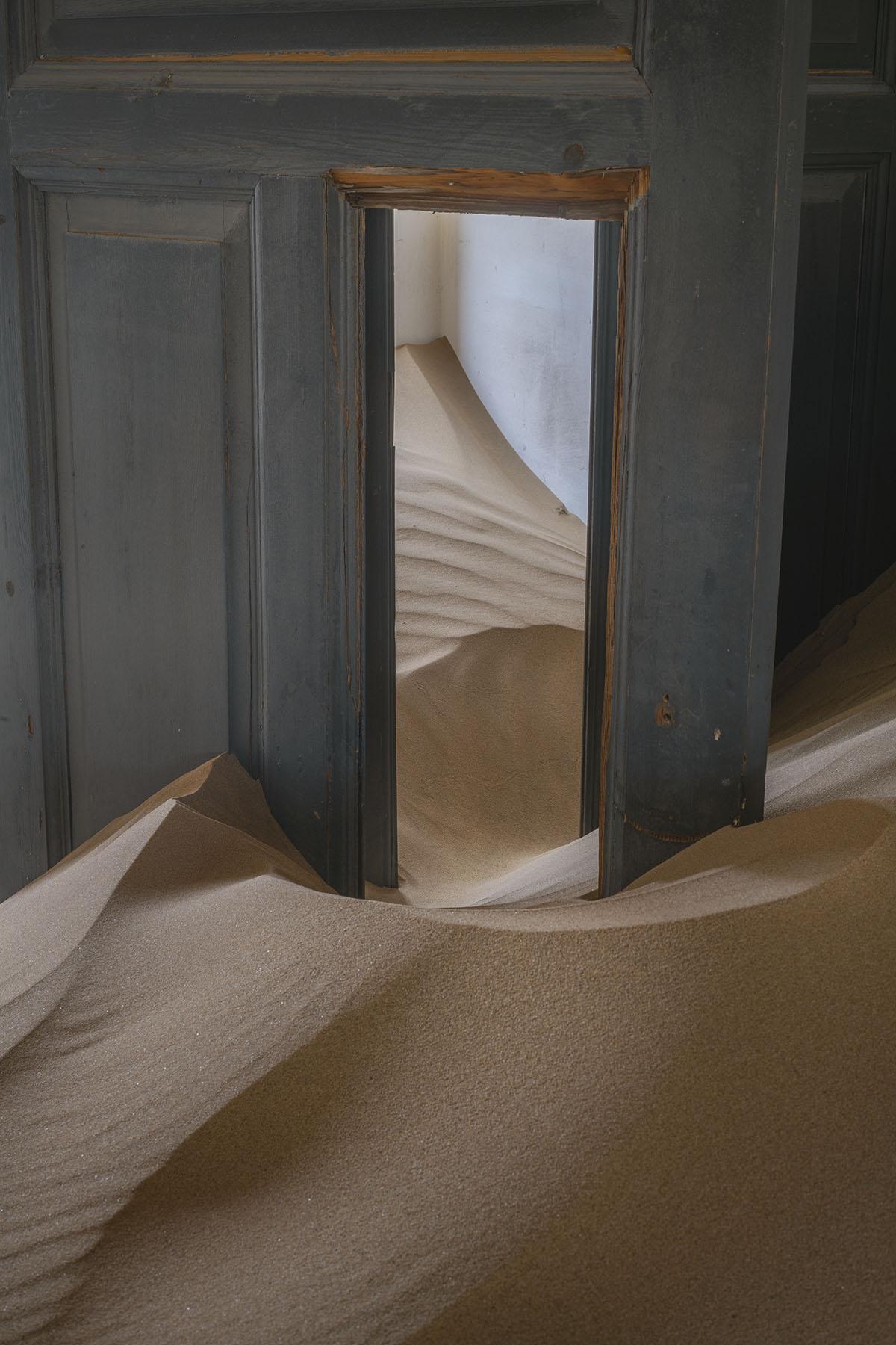 Kolmanskop door